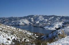 Een meer van de Wintertijd stock afbeeldingen