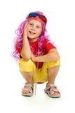 Een meisje in buitensporige kleren en 3d glazen Stock Afbeelding