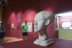 Een meisje in een Egyptische tentoonstelling in Szeged, Hongarije Royalty-vrije Stock Fotografie