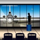 Een meisje met een koffer bij de luchthaven bekijkt het vliegtuig door een groot venster stock illustratie