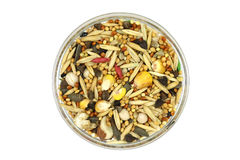 Een mengsel van korrels en graangewassen in een glaskop royalty-vrije stock afbeelding