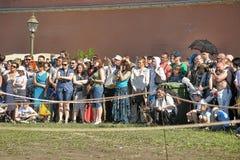Een menigte van toeschouwers royalty-vrije stock afbeelding