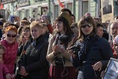 Een menigte van toeschouwers in Victory Parade Royalty-vrije Stock Foto