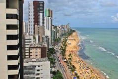 Een mening aan het Recife-stadsstrand Stock Fotografie