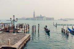 Een mening bij de straten en het water van Venetië van Piazza San Marco Stock Fotografie