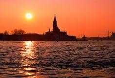 Een mening in Italiaans Venetië in de zonsondergang Stock Foto's