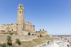 Een mening over Lleida stad en de oude Kathedraal van St Mary van La Seu Vella, Spanje Stock Foto's