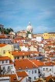 Een mening van Alfama in Lissabon stock afbeeldingen