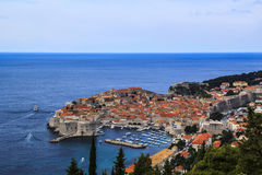 Een mening van de beroemde stad van Dubrovnik in Kroatië Stock Afbeeldingen