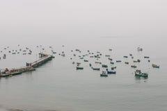 Een mening van de haven van Lima Stock Afbeeldingen