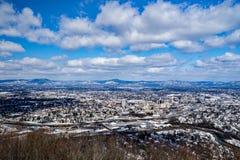 Een Mening van de Roanoke-Vallei in de Winter met de Bergen op de Achtergrond royalty-vrije stock afbeeldingen