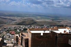 Een mening van de vallei van Mesopotamië van de stad van Mardin royalty-vrije stock fotografie