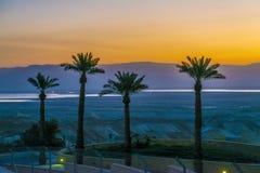 Een mening van het dode overzees en de bergen in Negev verlaten israël Stock Foto