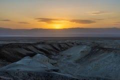 Een mening van het dode overzees en de bergen in Negev verlaten israël Royalty-vrije Stock Foto