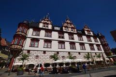Een mening van het historische marktvierkant in Cobourg, Duitsland Stock Afbeelding