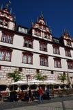 Een mening van het historische marktvierkant in Cobourg, Duitsland Stock Afbeeldingen