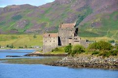 Het Kasteel van Donan van Eilean, Dornie, Schotland Stock Afbeeldingen