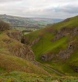 Een mening van het Piekdistricts nationale park Castleton in Derbyshire, het UK stock afbeelding