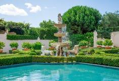 Een mening van Italiaanse tuin in Hamilton Botanical tuiniert in Nieuw Zeeland Royalty-vrije Stock Foto's