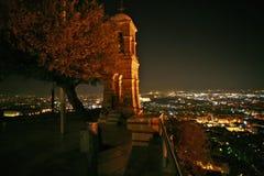 Een mening van Lykavittos bij nacht Stock Foto's