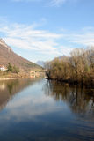 Een mening van Meer Idro in de bergen van Valle Sabbia - Bresc Royalty-vrije Stock Afbeeldingen