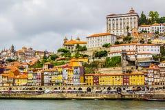 Een mening van Oude stad Porto Stock Afbeeldingen