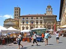 Een mening van Piazza Grande in Arezzo in Italië Stock Fotografie
