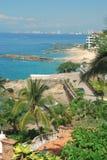 Een mening van Puerto Vallarta van de nabijgelegen heuvel Stock Afbeelding