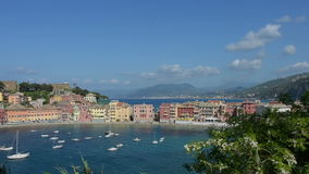 Een mening van Sestri Levante Italië stock video