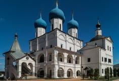Een mening van Vysotsky-klooster, Serpukhov, Rusland Stock Afbeeldingen