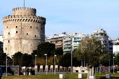 Een mening van Witte Toren, Thessaloniki, Griekenland oriëntatiepunt van de stad Stock Foto's