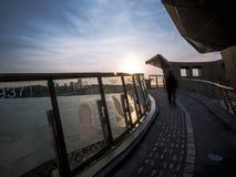 Een mening van zonsondergang van een gang Stock Afbeeldingen