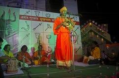 Een mens die godsdienstig lied zingen in Durga Festival, Kolkata Stock Afbeelding