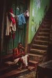 Een mens in een krottenwijk in Calcutta Royalty-vrije Stock Foto