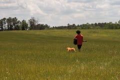 Een mens en Zijn hond Royalty-vrije Stock Fotografie