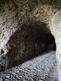 Een mens gemaakt tot tunnel royalty-vrije stock afbeelding