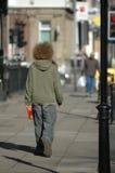 Een mens met een gekke rode afro Stock Fotografie