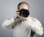 Een mens met fotocamera Royalty-vrije Stock Foto