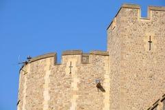 Een metaalscultpure van een schutter streek boven op de Toren van Londen - Londen, Engeland neer Royalty-vrije Stock Afbeeldingen