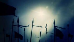 Een Middeleeuws leger die op een stormachtige dag voorbereidingen treffen te vechten stock illustratie