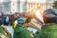 Een militaire band bij de paradewinter Stock Foto