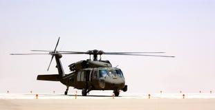 Een militaire helikopter Stock Afbeeldingen