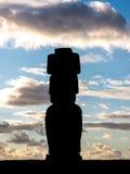 Een moai in ahu Tahai Stock Foto