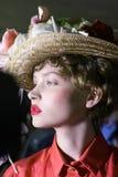 Een model wordt gezien de coulisse voor Antonio Marras tijdens Milan Fashion Week Spring /Summer 2018 toont Stock Foto's