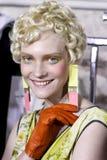 Een model wordt gezien de coulisse voor Antonio Marras tijdens Milan Fashion Week Spring /Summer 2018 toont Stock Afbeelding