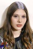 Een model wordt gezien voor Aigner toont tijdens Milan Fashion Week Spring /Summer 2018 Stock Afbeelding