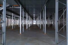 Een modern fabriekspakhuis Stock Afbeeldingen