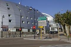 Een modern kruispunt in Besançon stock fotografie