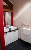 Een moderne badkamers Stock Fotografie