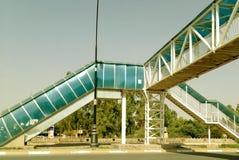 Een moderne brug Stock Afbeeldingen